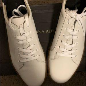 Sneakers/Decks